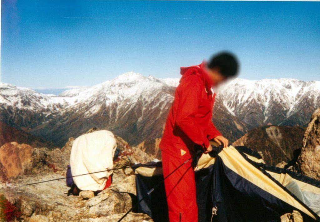 冠雪した山々を眺めながらヒリシャンカを撤収