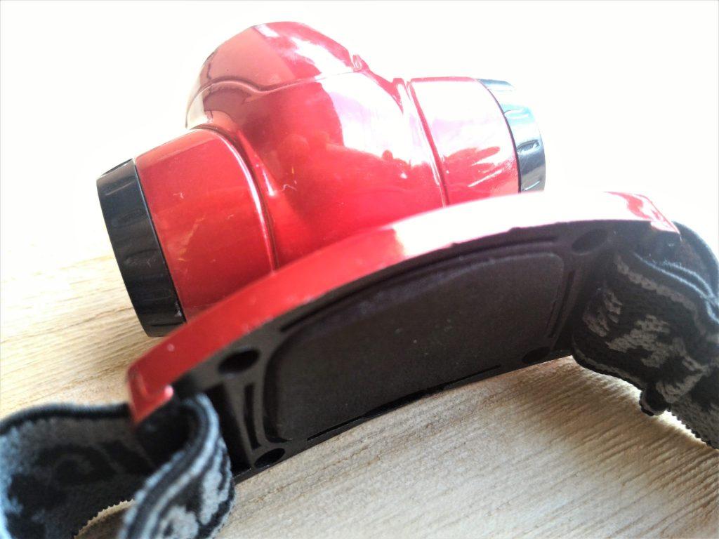 ダイソーの200円ヘッドライト - ゴム製のパッド